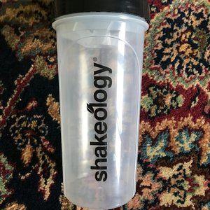 🍍*NEW* Beachbody Shakeology Shaker Cup
